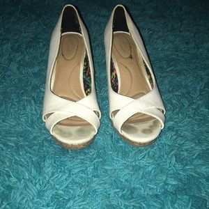 Deflex Comfort White Wedges
